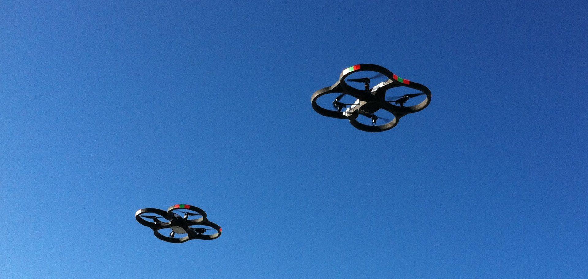 2_parrot_ar.drone_2.0_in_flight