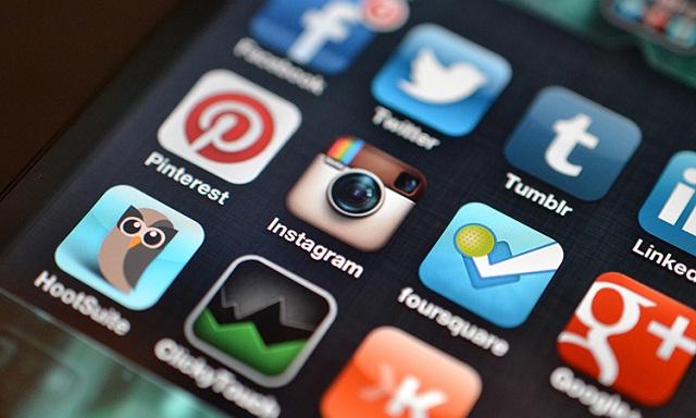 Social Media for Advisor