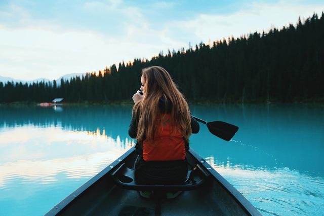 Paddling Canoe Lake