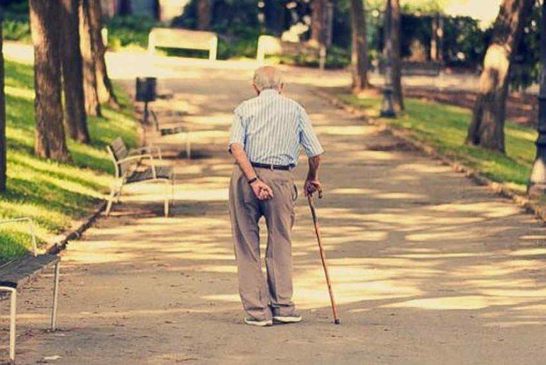 20_Nov_2015_13_21_04_old-man-walking-770x515