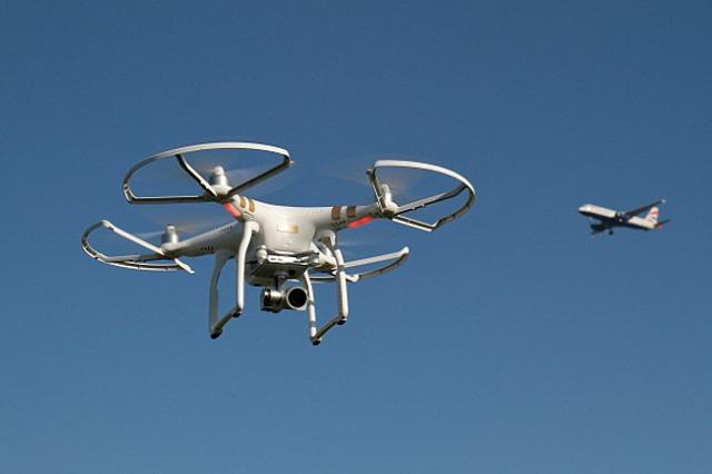 TRACKIMO-FI-Drone-Smash-Risk-to-Aircraft