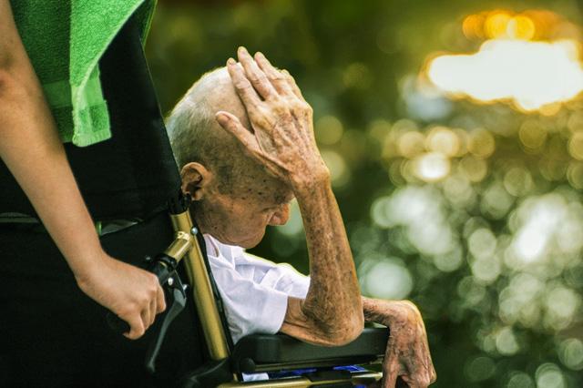Managing Dementia Symptoms