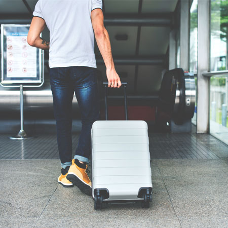 Ways-to-Make-Sure-You're-Safe-While-Traveling